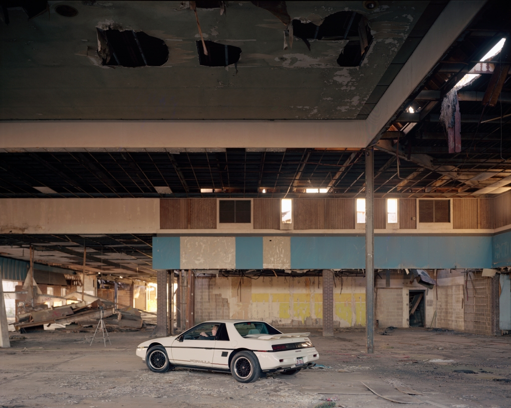 101610_Dixie_Square_Mall_Car_08